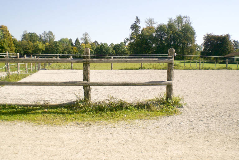 Reitanlage Laufzorn – paddock surface